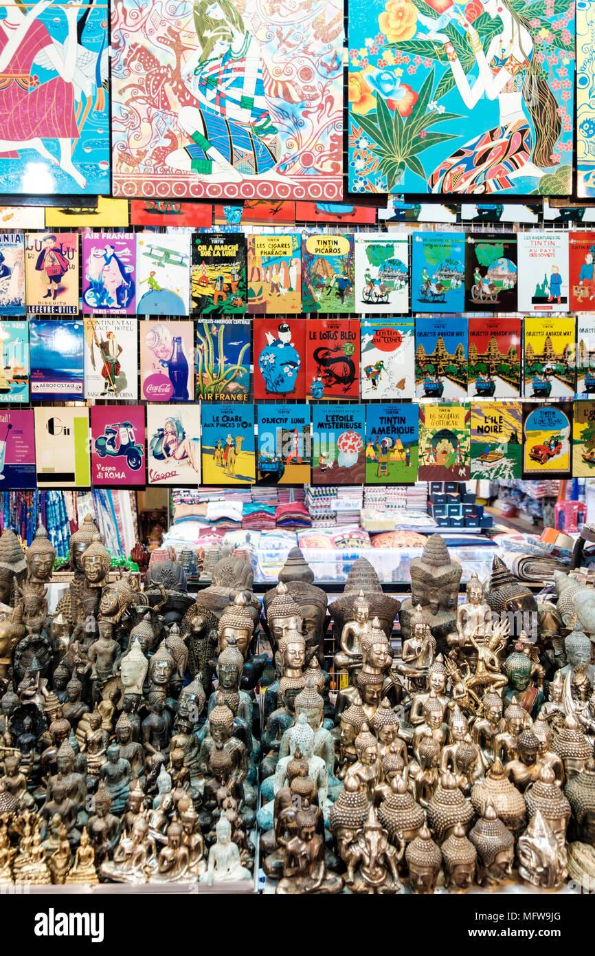 Souvenirs dans une échoppe de marché en Inde Photo Stock