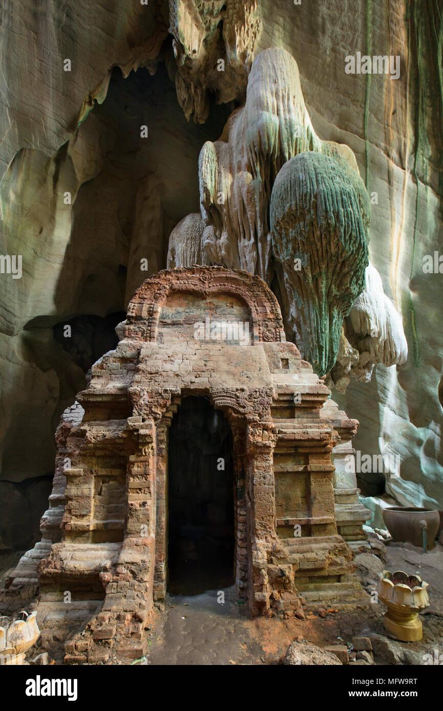 Khmer Phnom Chhnork cave temple hindou dans la province de Kampot, au Cambodge Photo Stock