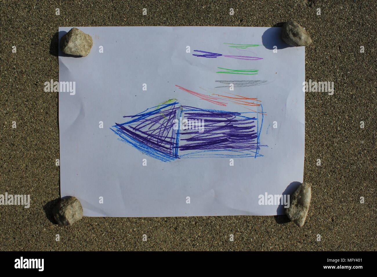 Artwork créée avec amour par un sept ans, kindergartener, fille de sa mère. Photo Stock