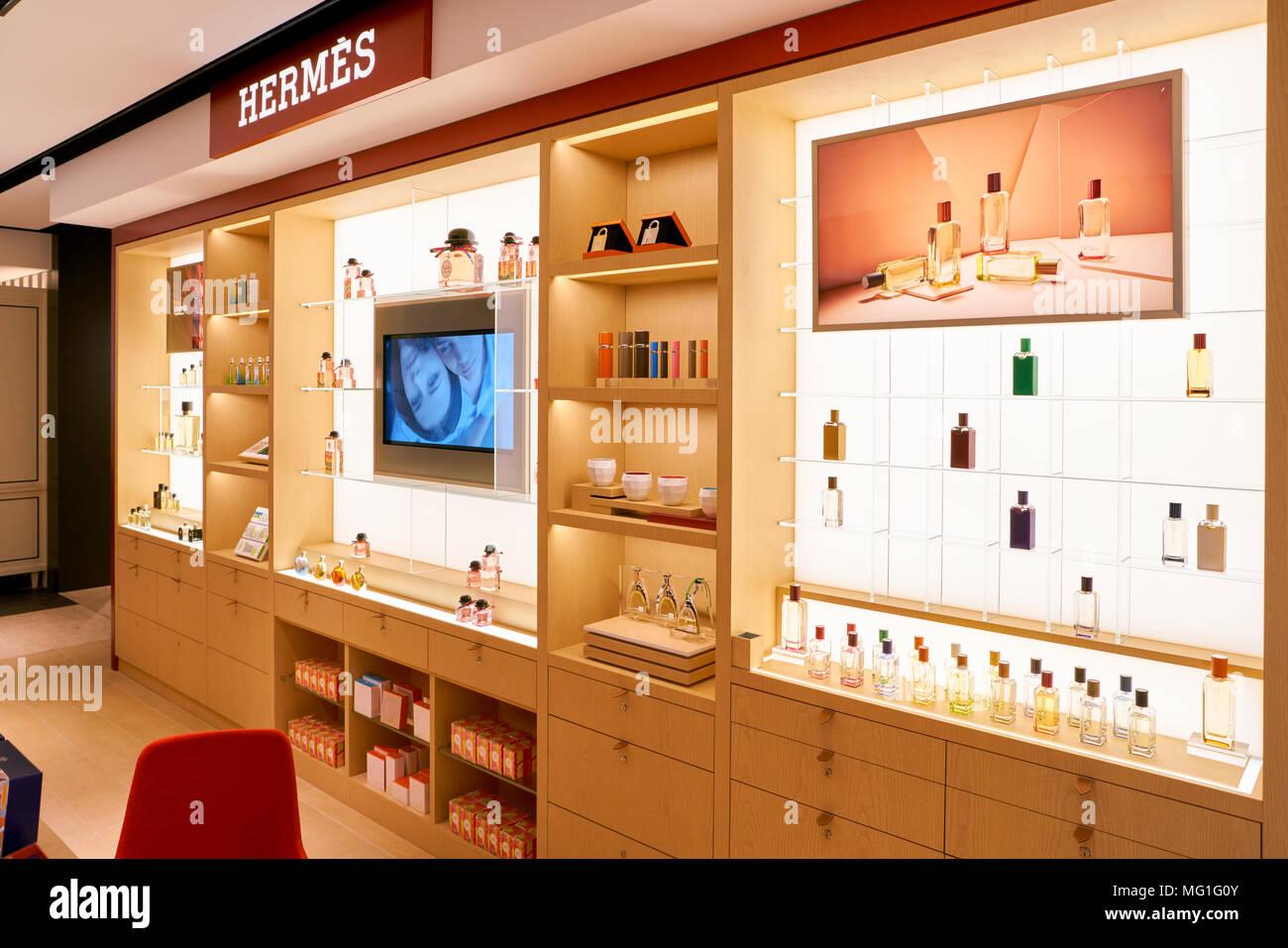 RomeItalie Hermes Circa 2017NovembreBouteilles S De Parfum WeH2YE9ID