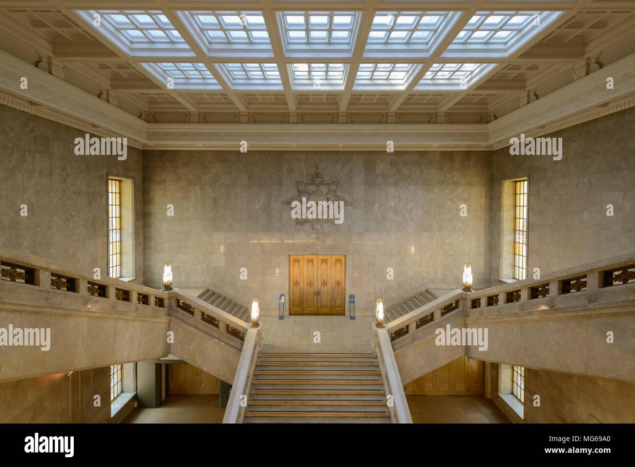 Le hall d'entrée et l'escalier du Musée National de Tokyo, Japon. Photo Stock