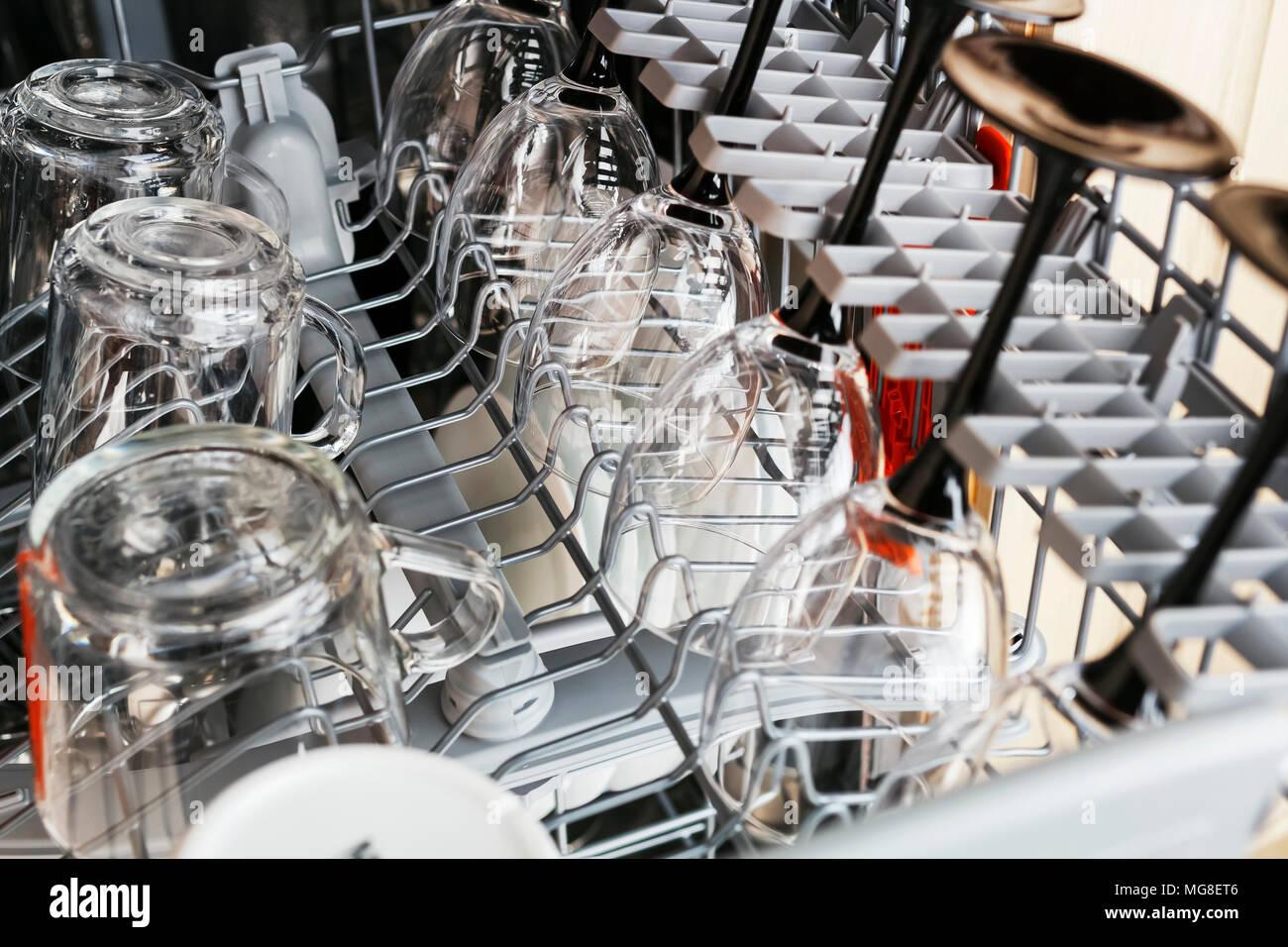 Nettoyer Interieur Lave Vaisselle nettoyer le verre tasses et verres après lavage au lave