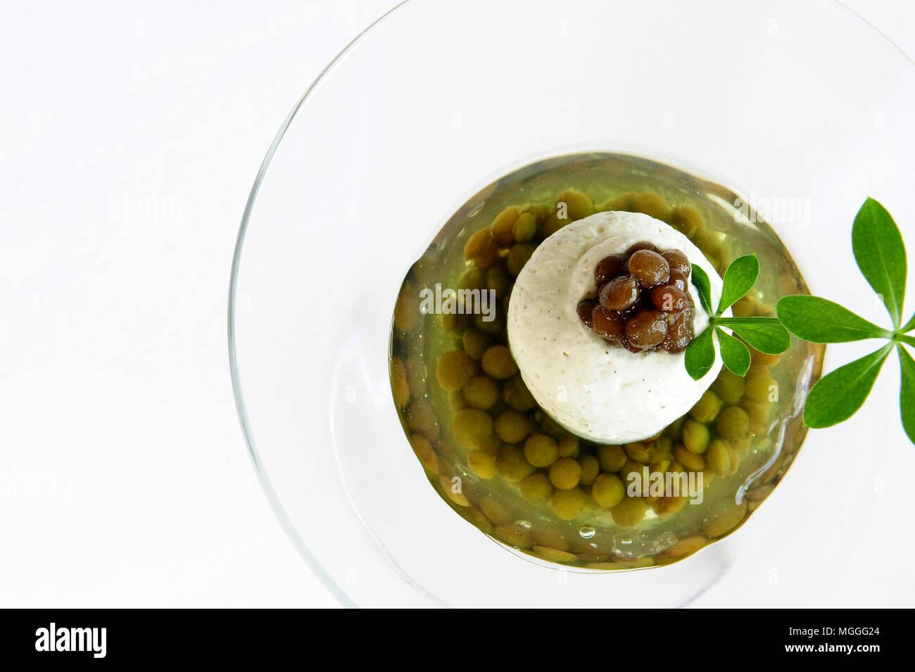 Un Puy à base de lentilles dessert créé par le chef étoilé Régis ...