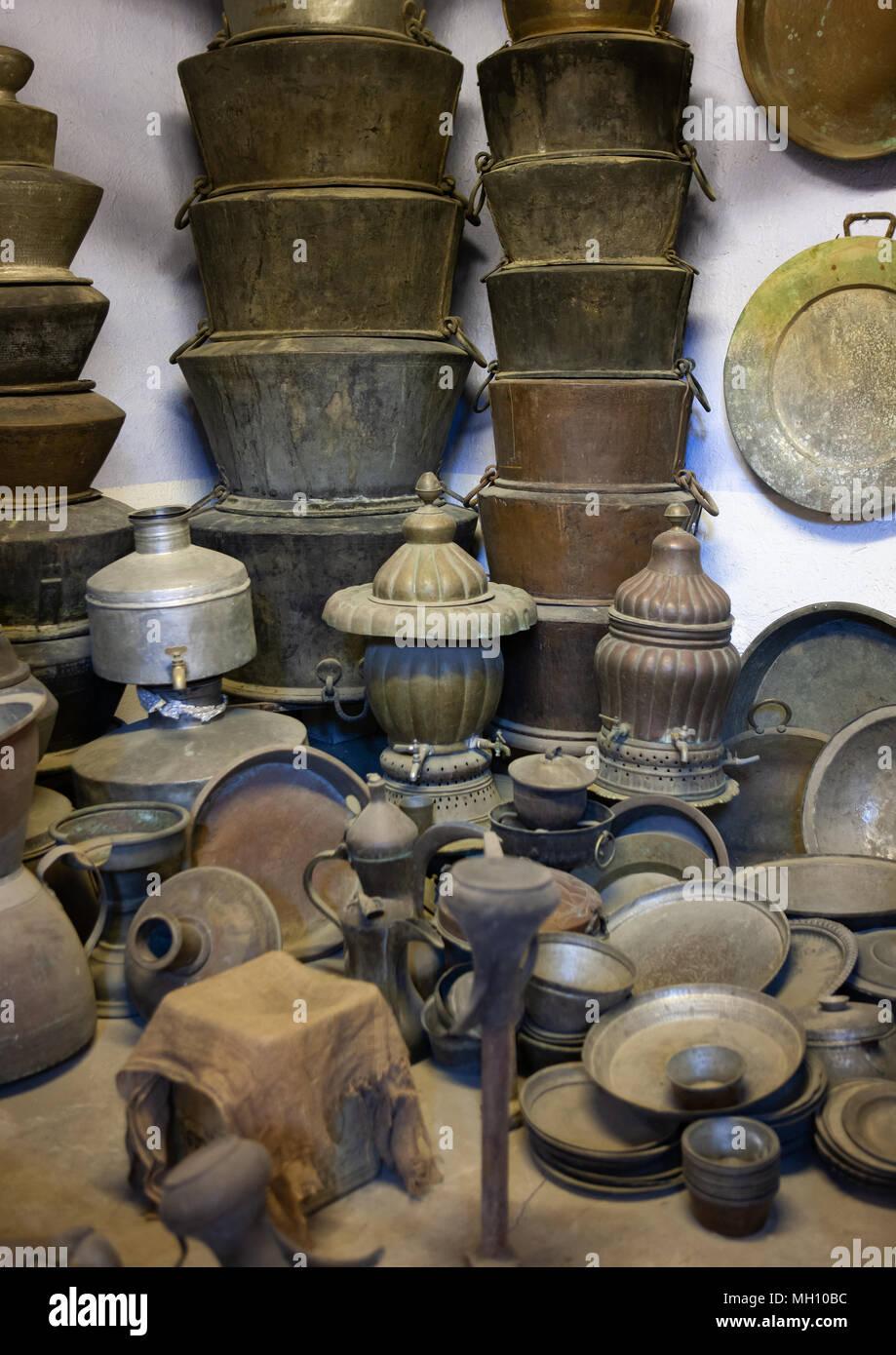 Arabe traditionnelle ustensiles dans un musée, la province, Taif, Arabie Saoudite Photo Stock