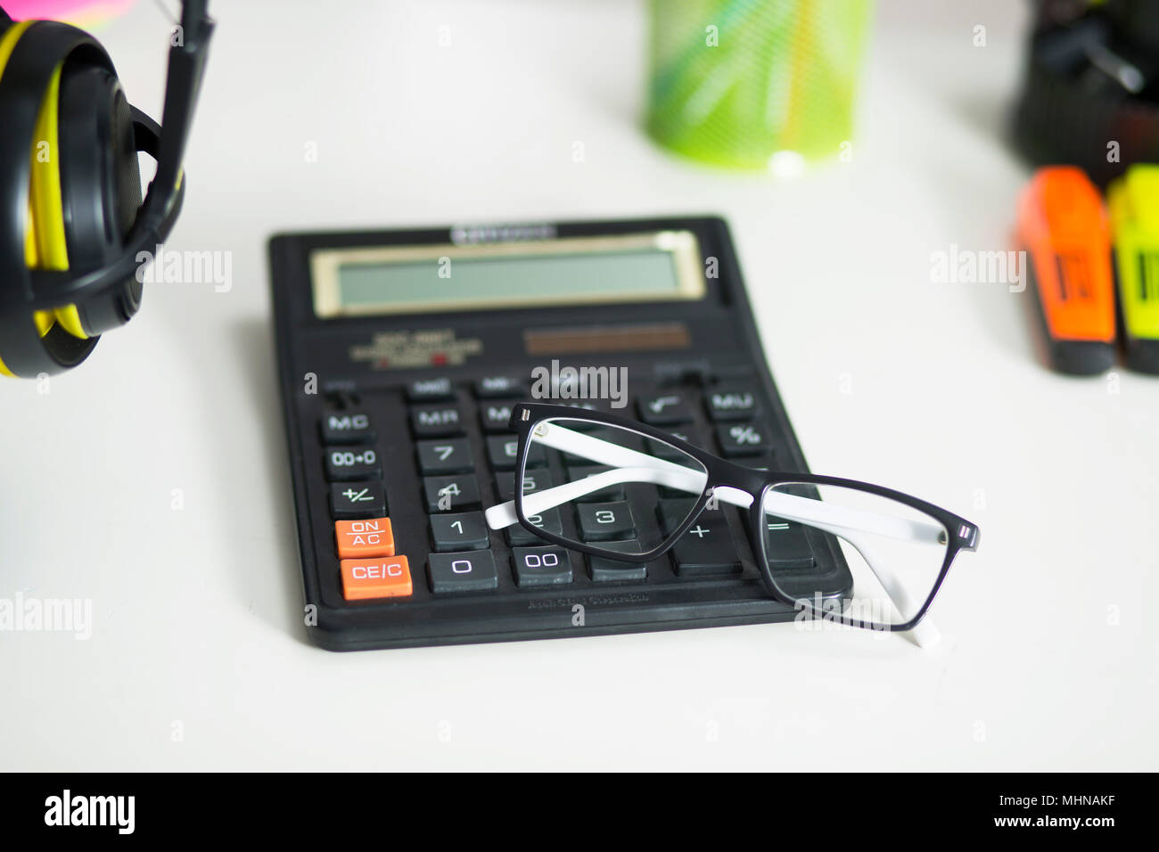 Sur le bureau calculatrice Photo Stock