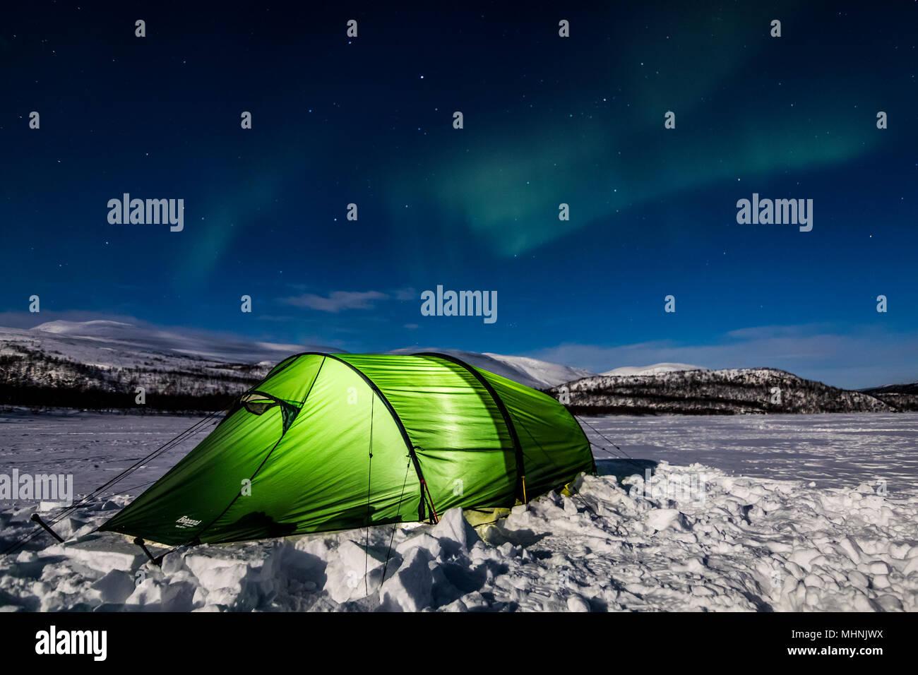 Camping dans l'Arctique Photo Stock