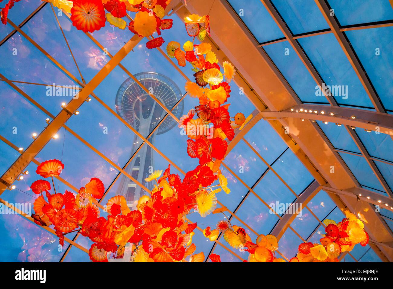 L'aiguille à travers l'espace, la Serre Jardin et verre Chihuly, Seattle, Washington State, USA Photo Stock