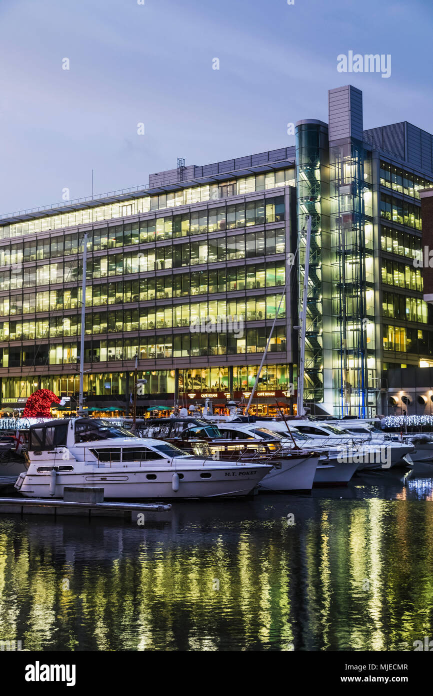 L'Angleterre, Londres, Tower Hamlets, St Katharine Dock, Commodity Quay Office Building Photo Stock