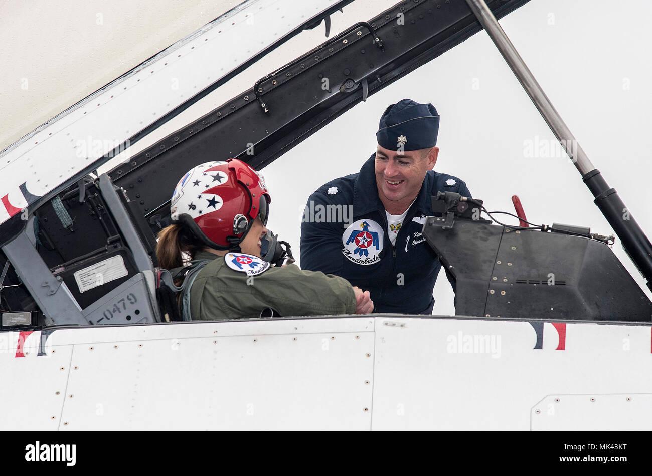 Le lieutenant colonel Kevin Walsh, U.S. Air Force Pilote de
