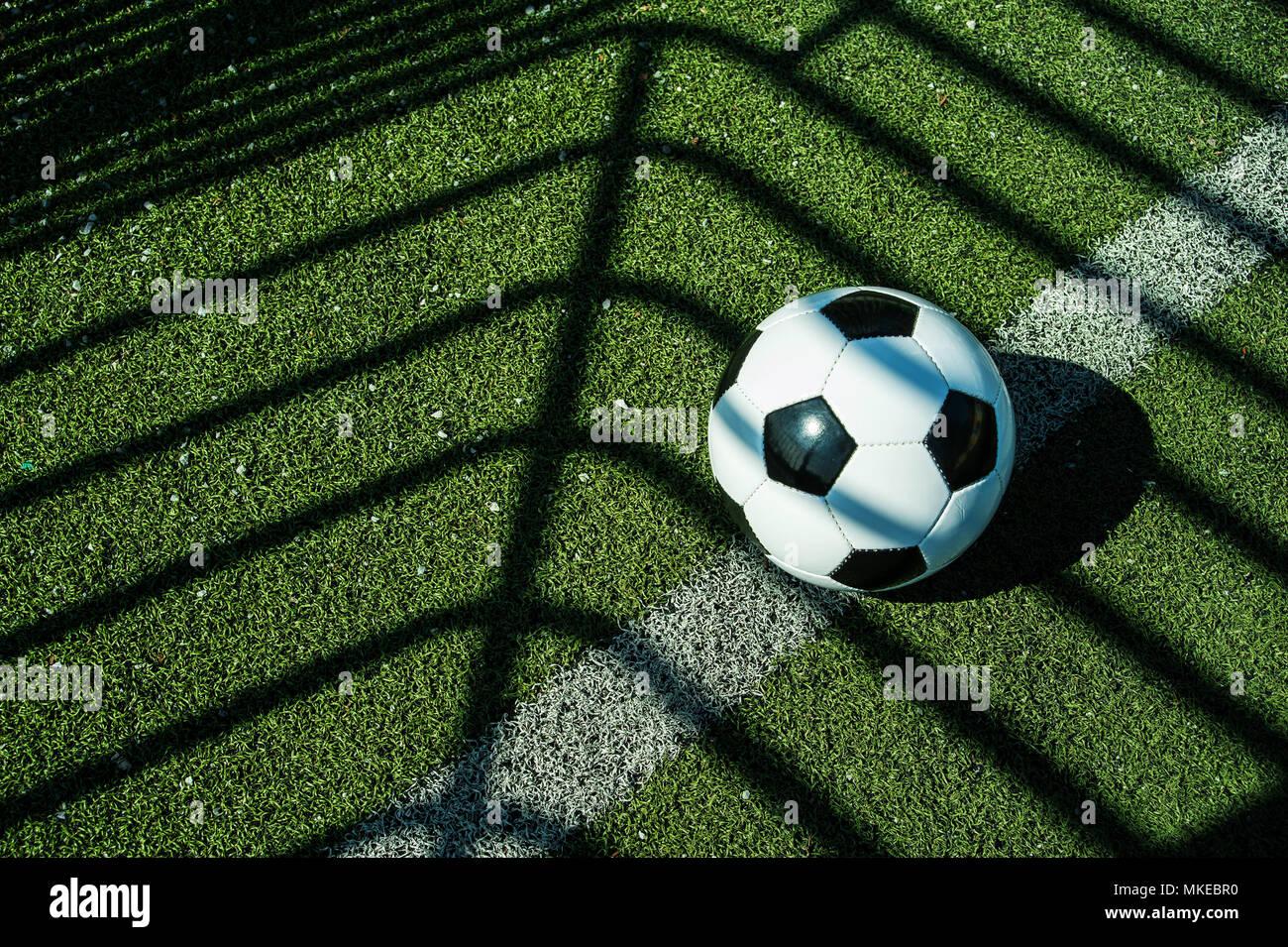 Ballon De Football Classique Noir Et Blanc Avec Des Ombres