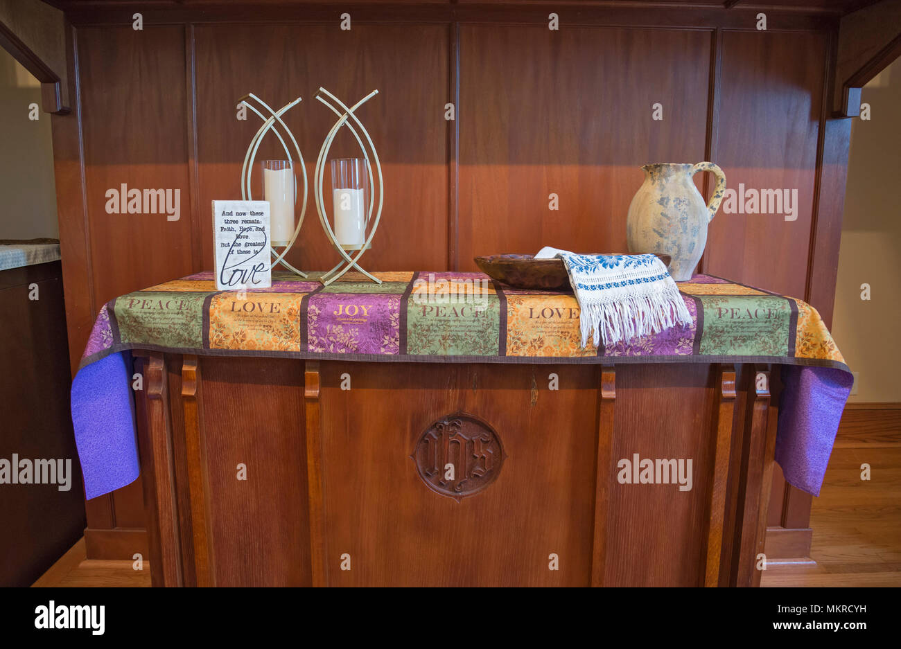 communion table photos & communion table images - alamy