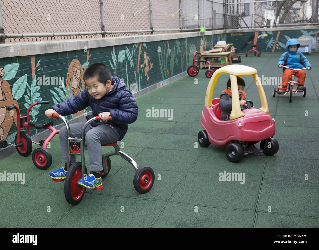 Lower East Side multi ethnic nursery school à Manhattan, New York City. Banque D'Images