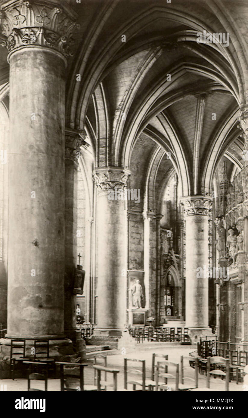 intrieur de la cathdrale chartres 1940