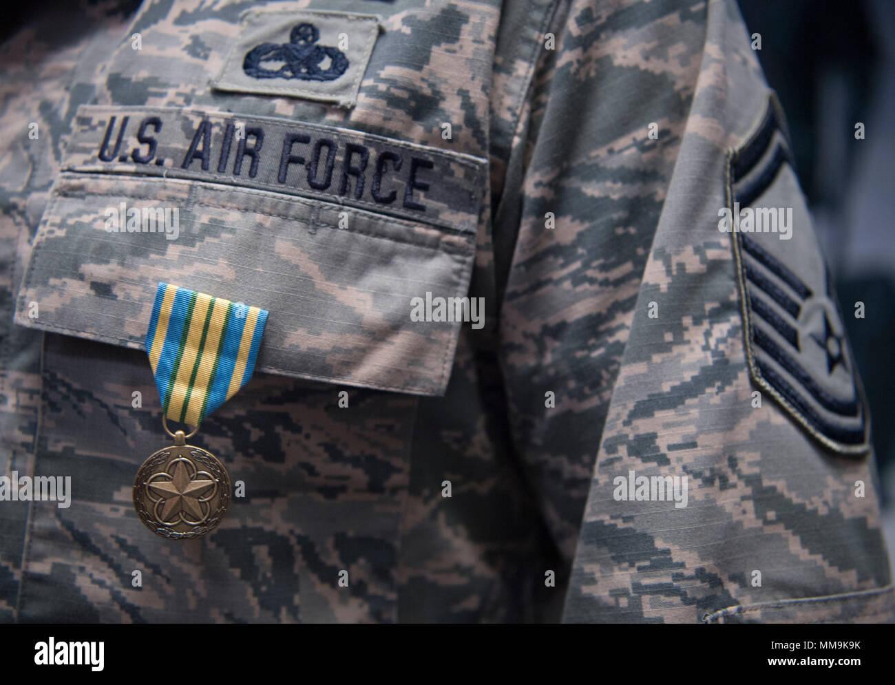 Que Mettre Dans Un Garde Manger u.s. air force capitaine principal sgt. kevan williams, un