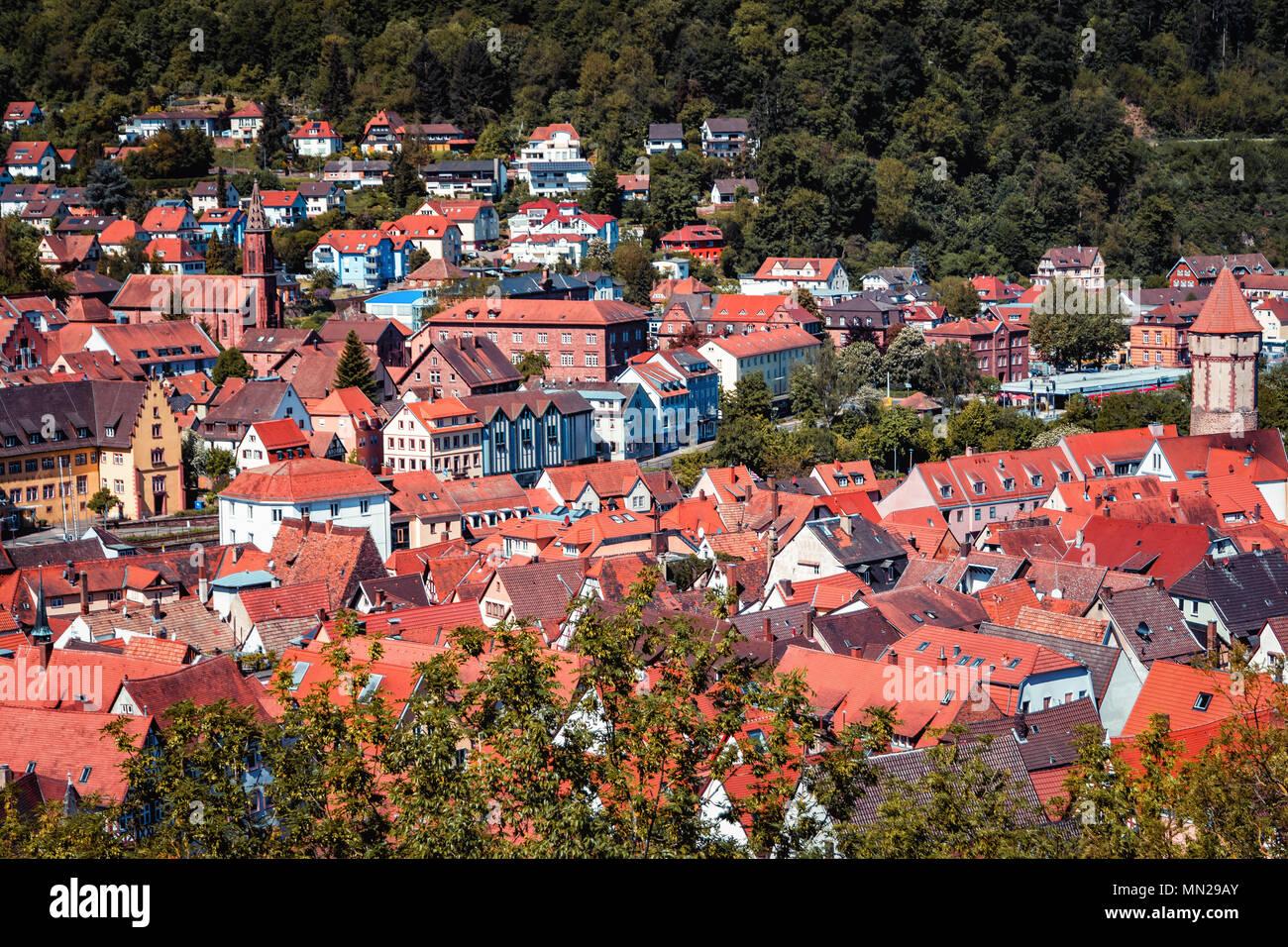 Antenne d'été pittoresque panorama de la vieille ville ville de Wertheim am Main, Bavière, Allemagne Photo Stock