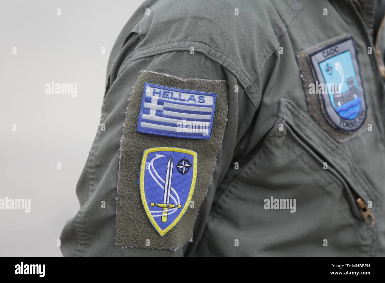 Symbole de la Force aérienne grecque sur un uniforme de soldat Photo Stock