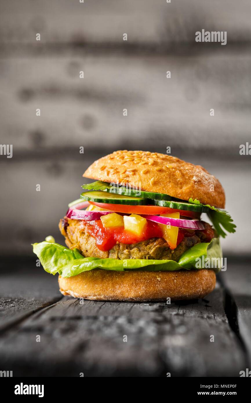 Un régime sans gluten Veggie burger Photo Stock
