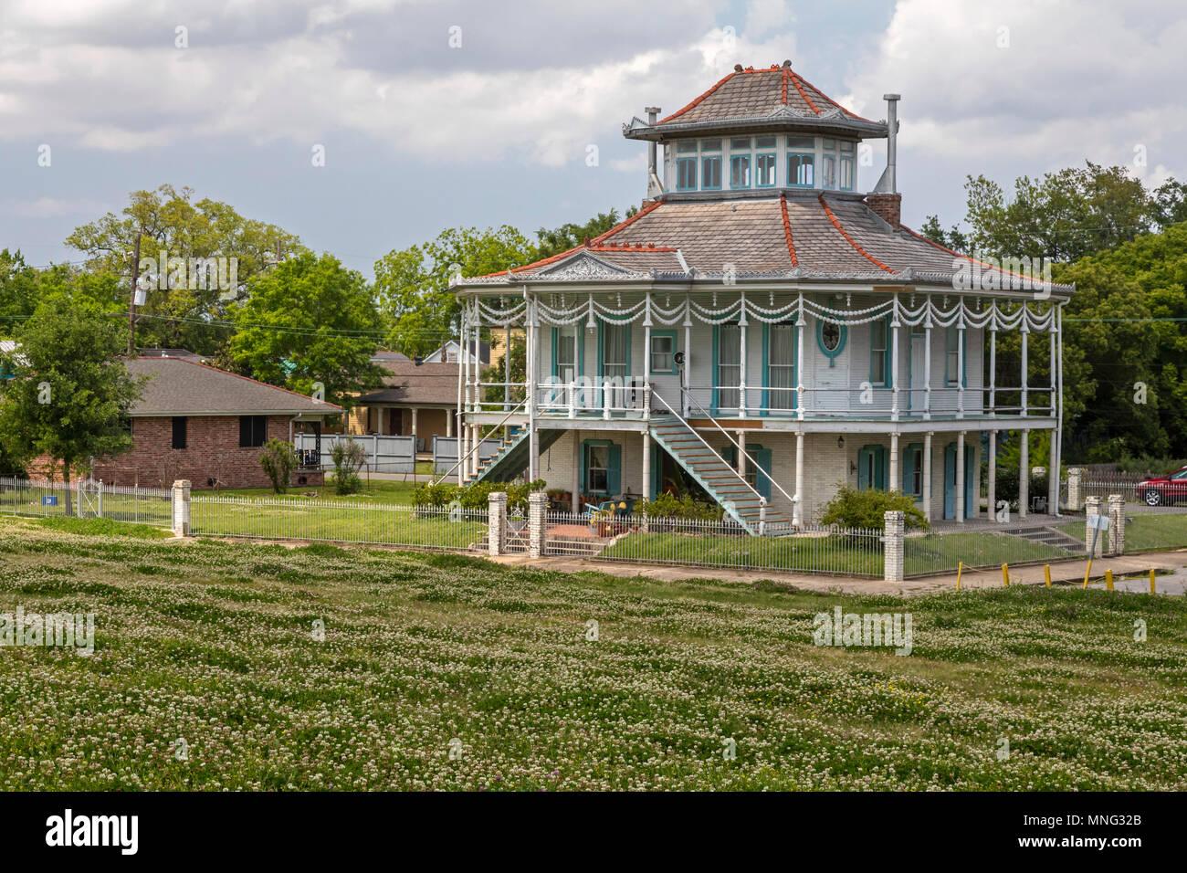 La Nouvelle-Orléans, Louisiane - l\'Doullut Steamboat House ...