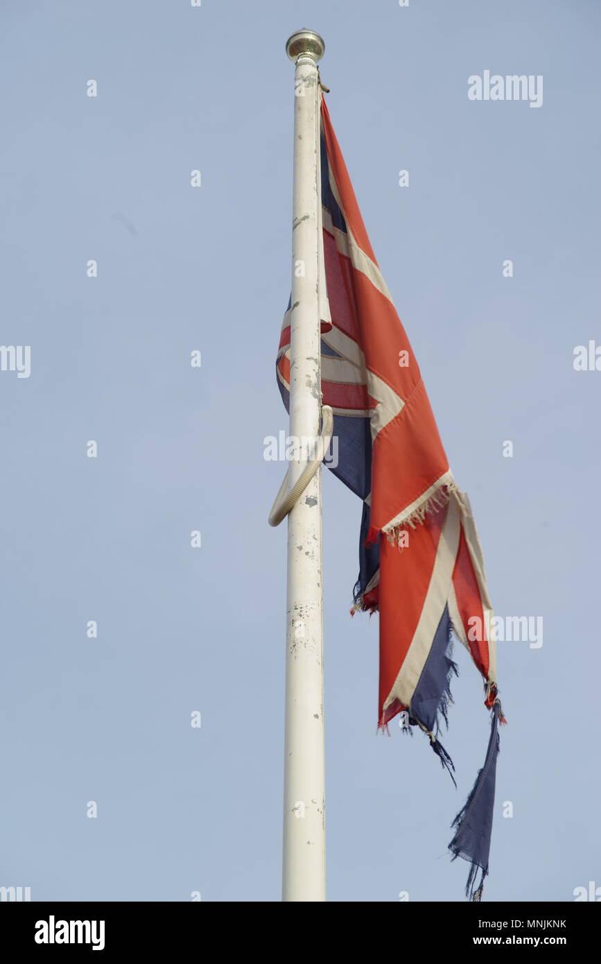 Effilochés en haillons détruit Union Jack Flag, Hull, Royaume-Uni Photo Stock