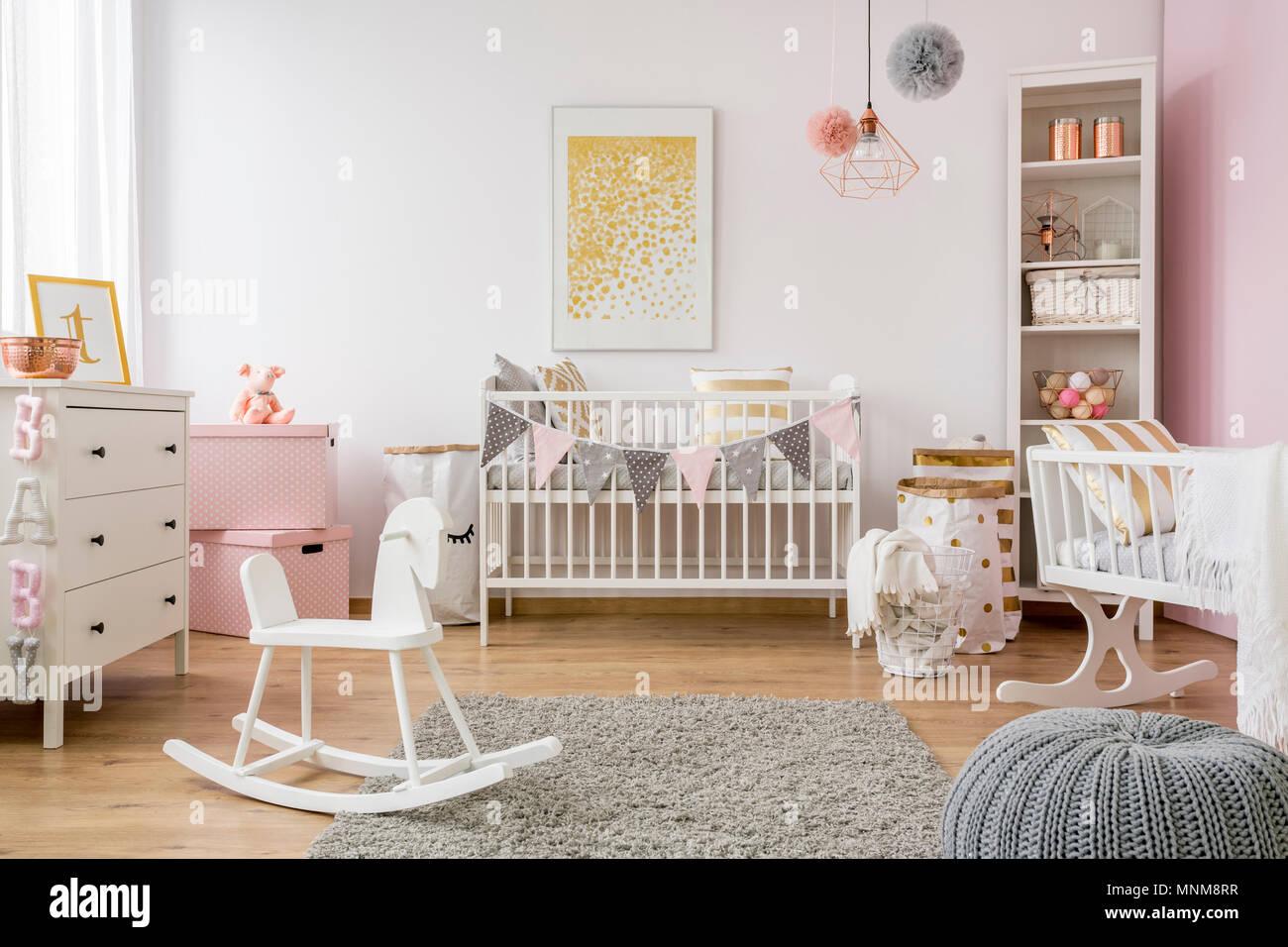 Chambre De Bebe Dans Un Style Scandinave Avec Cheval A Bascule Lit