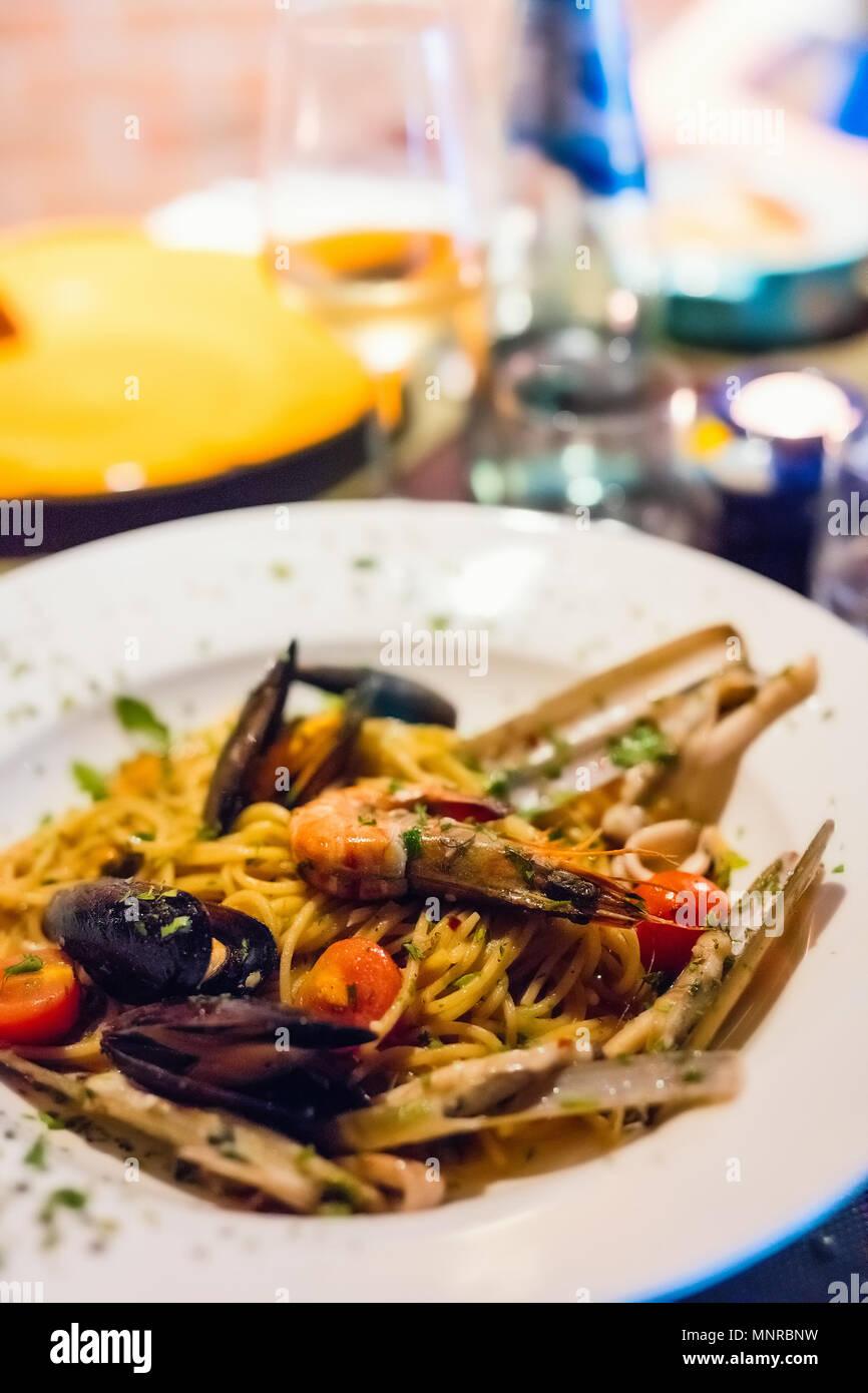 Close up d'un délicieux pâtes aux fruits de mer Photo Stock