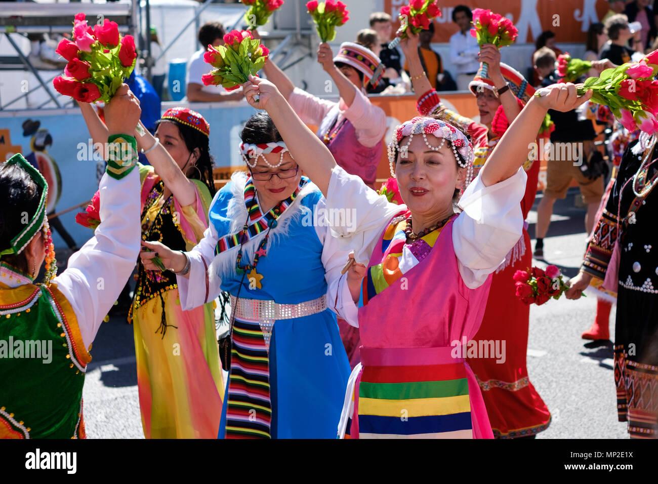 Berlin, Allemagne - mai 20, les gens célébrant: Karneval der Kulturen (Carnaval des cultures) à Berlin, Allemagne Banque D'Images