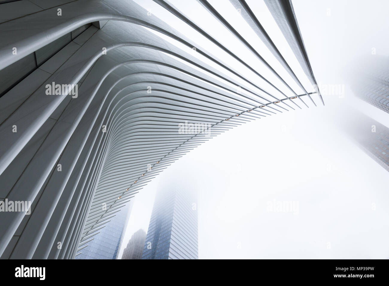 L'Oculus bâtiment dans le brouillard, Lower Manhattan, New York City, USA. Photo Stock