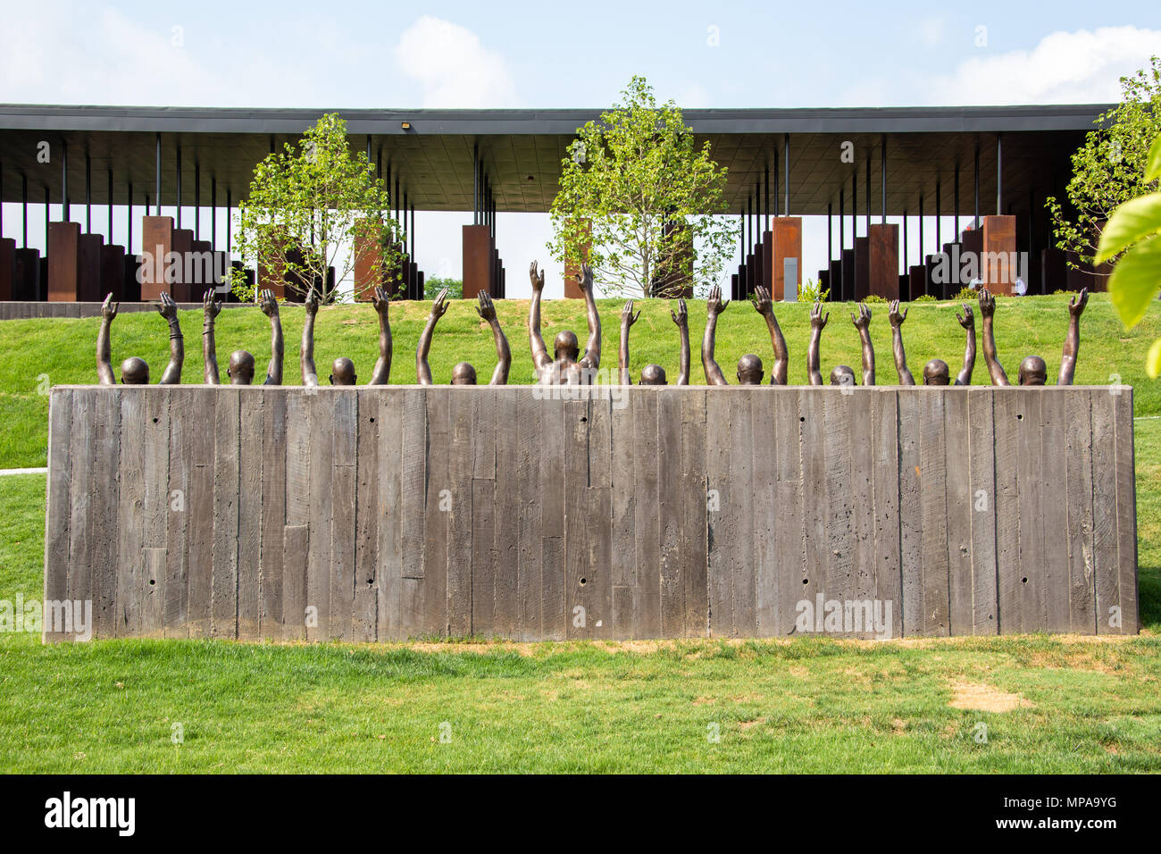 Se soulever par Hank Willis Thomas, 2016, le National Memorial pour la paix et la justice ou National Memorial lynchage, Montgomery, Alabama, États-Unis Photo Stock