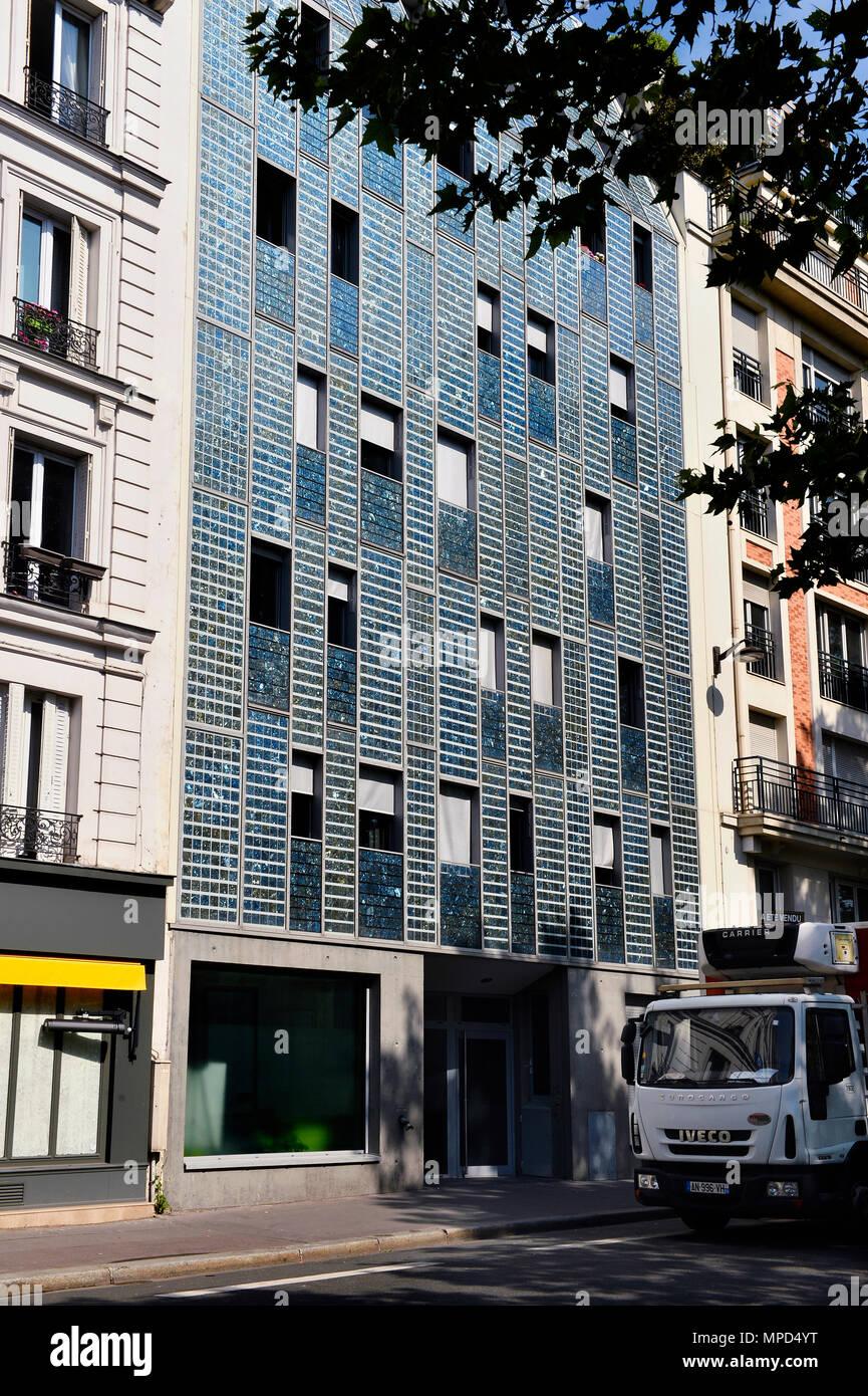 emmaüs solidarité résidence - panneaux solaires - quai de valmy