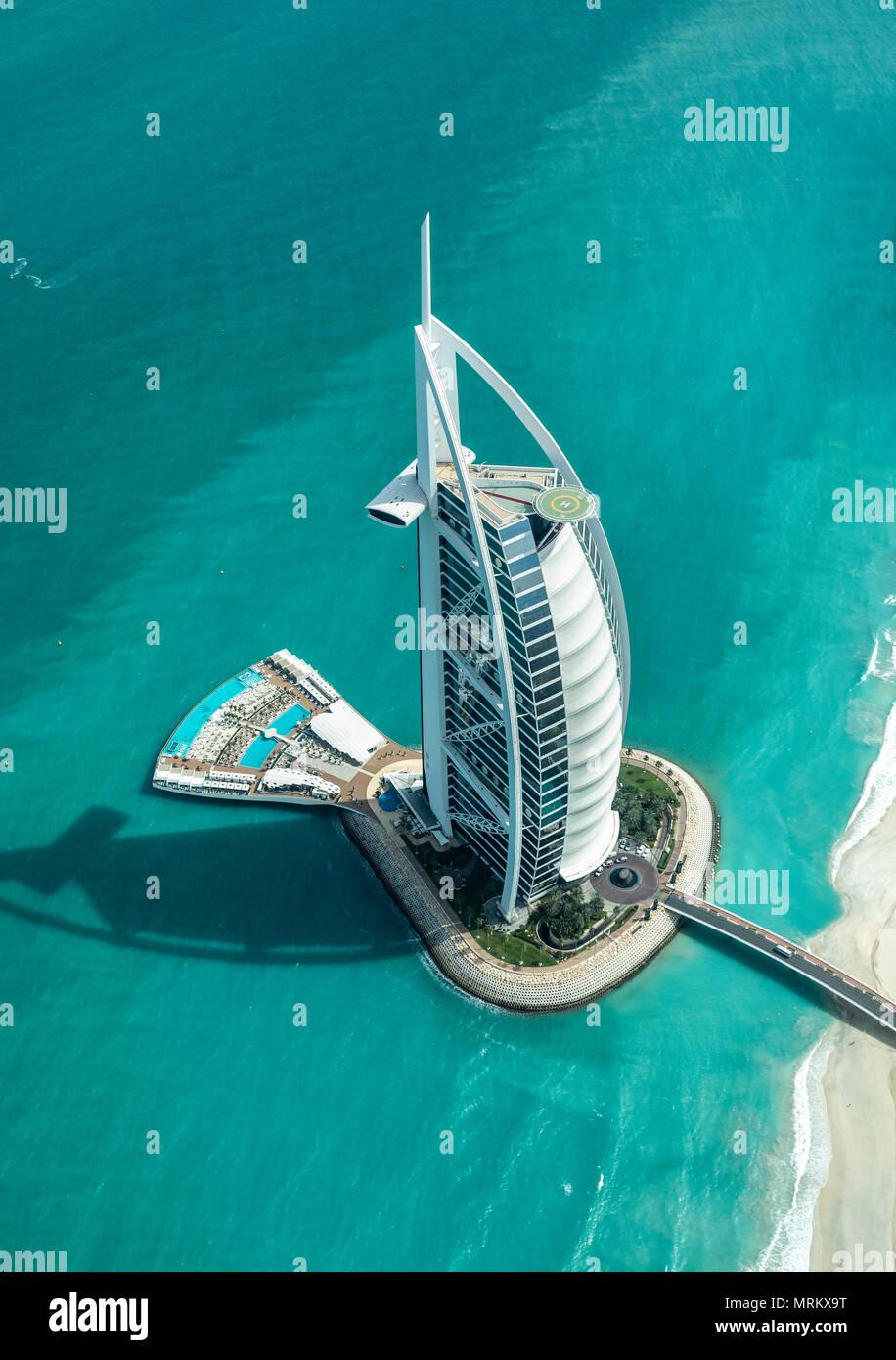 Dubaï, Émirats arabes unis, 18 mai, 2018: Vue aérienne du monde entier les meilleures notes hôtel Burj Al Arb Photo Stock