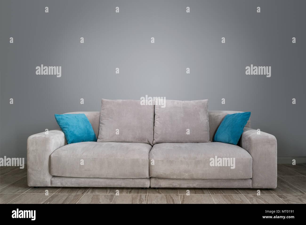 Salon avec canapé gris Photo Stock