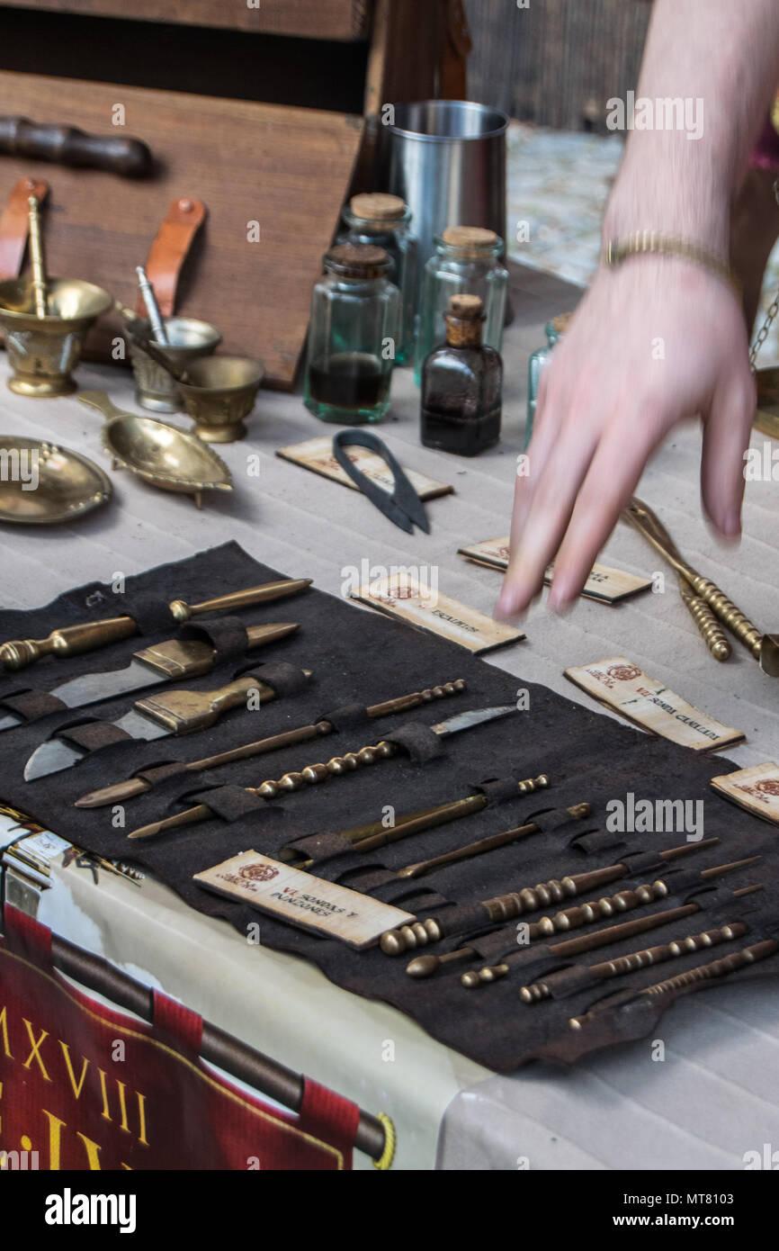 Vieux Instruments médicaux de l'époque Romaine Photo Stock