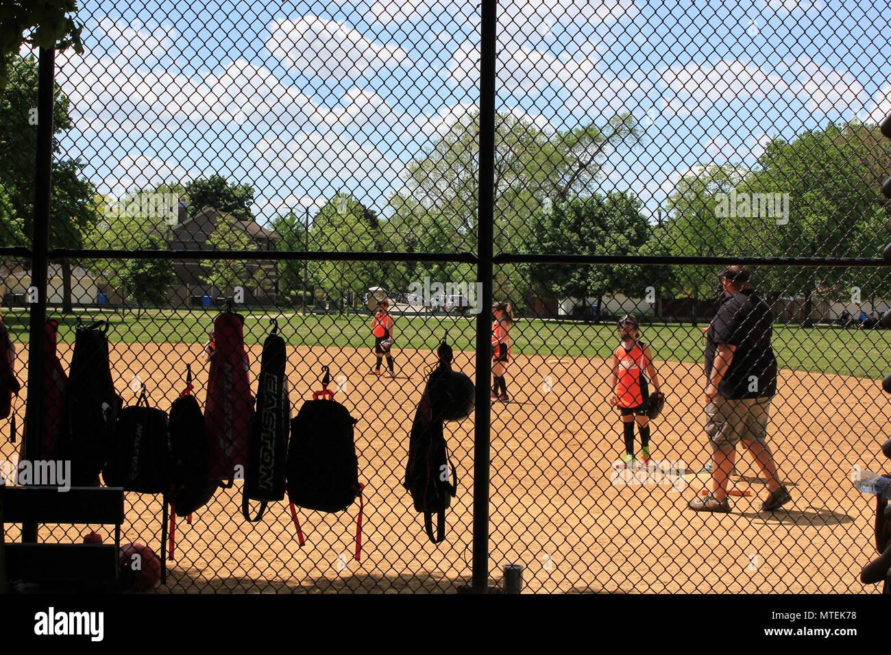 La petite ligue de baseball jeu à l'Oriole Park à Chicago, Illinois durant le week-end du Memorial Day 2018. Banque D'Images