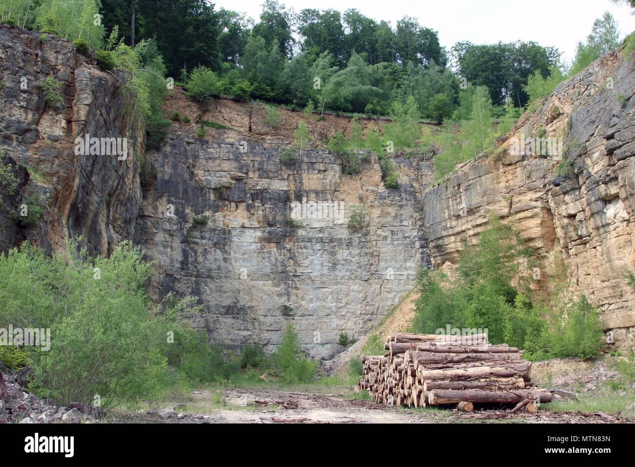 Carrière de Pierres abandonnée près de l'Altmühltal Allemagne Bavière Solnhofen Europe Banque D'Images
