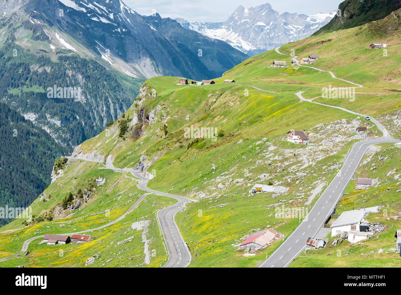 Klausenpass suisse, altdort uri à linthal mollis Banque D'Images