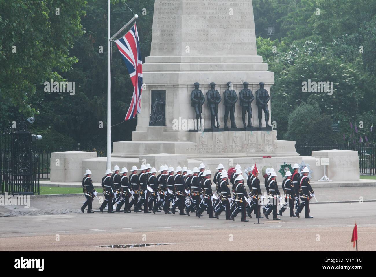 Royal Marine datant