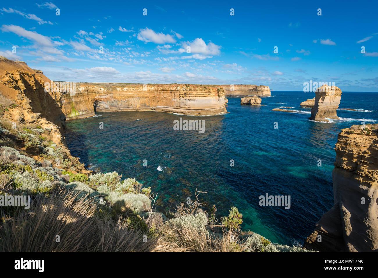 Razorback, une formation rocheuse de calcaire naturel, Port Campbell National Park, Great Ocean Road, Victoria, Australie Photo Stock