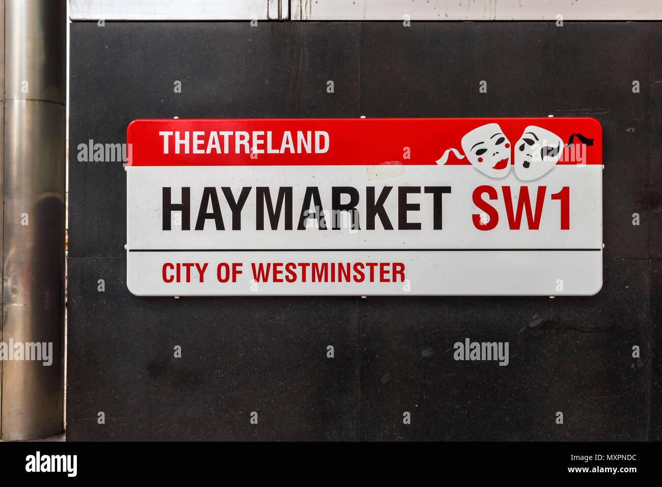 Plaque de rue pour Haymarket, un célèbre road dans le quartier des théâtres, City of Westminster, London SW1, UK, cœur de l'entertainment district culturel Banque D'Images
