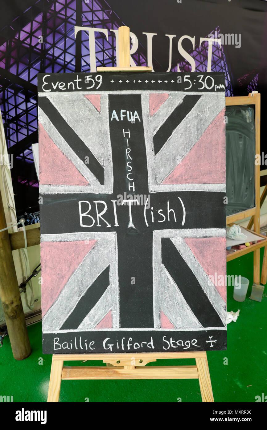 Couverture du livre sur parler d'affichage de l'événement 59 'Brit(ish): sur la race, l'identité et l'appartenance' par Afua Hirsch KATHY DEWITT Photo Stock