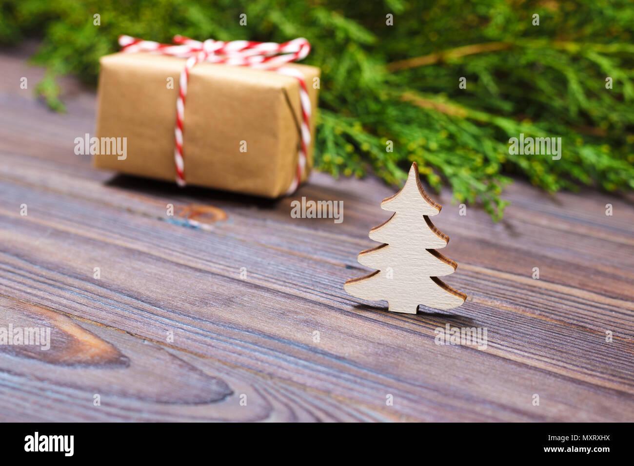 Arbre Bois Blanc Decoration petit arbre de noël en bois blanc, de décoration et de