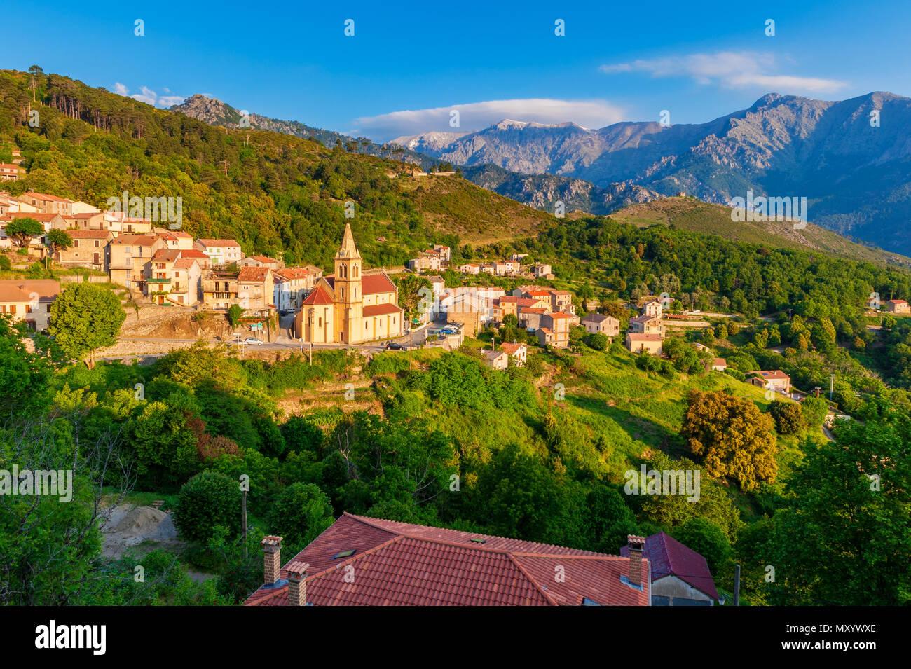 Village de Venaco, Corse, France Photo Stock