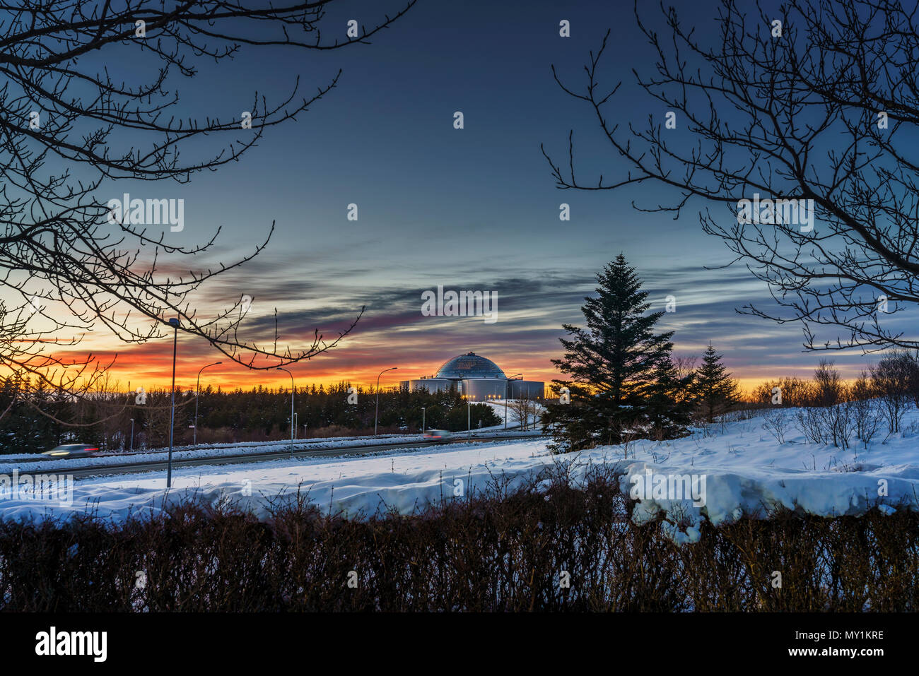 Perlan (La Perle) au coucher du soleil, l'hiver, Reykjavik, Islande Photo Stock