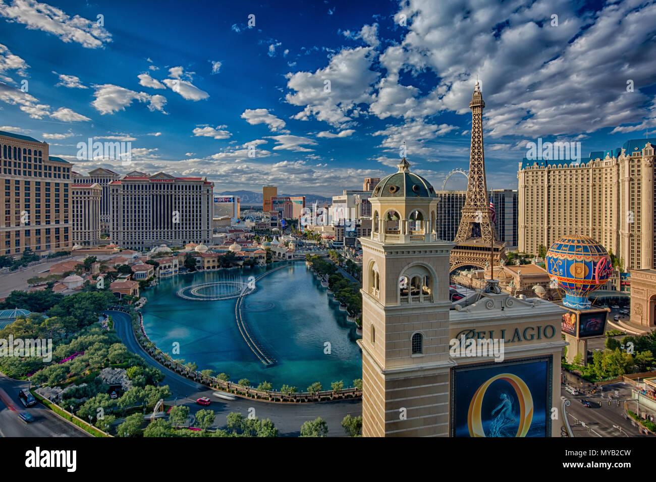 L'horizon de Las Vegas avec vue sur la Fontaine Photo Stock