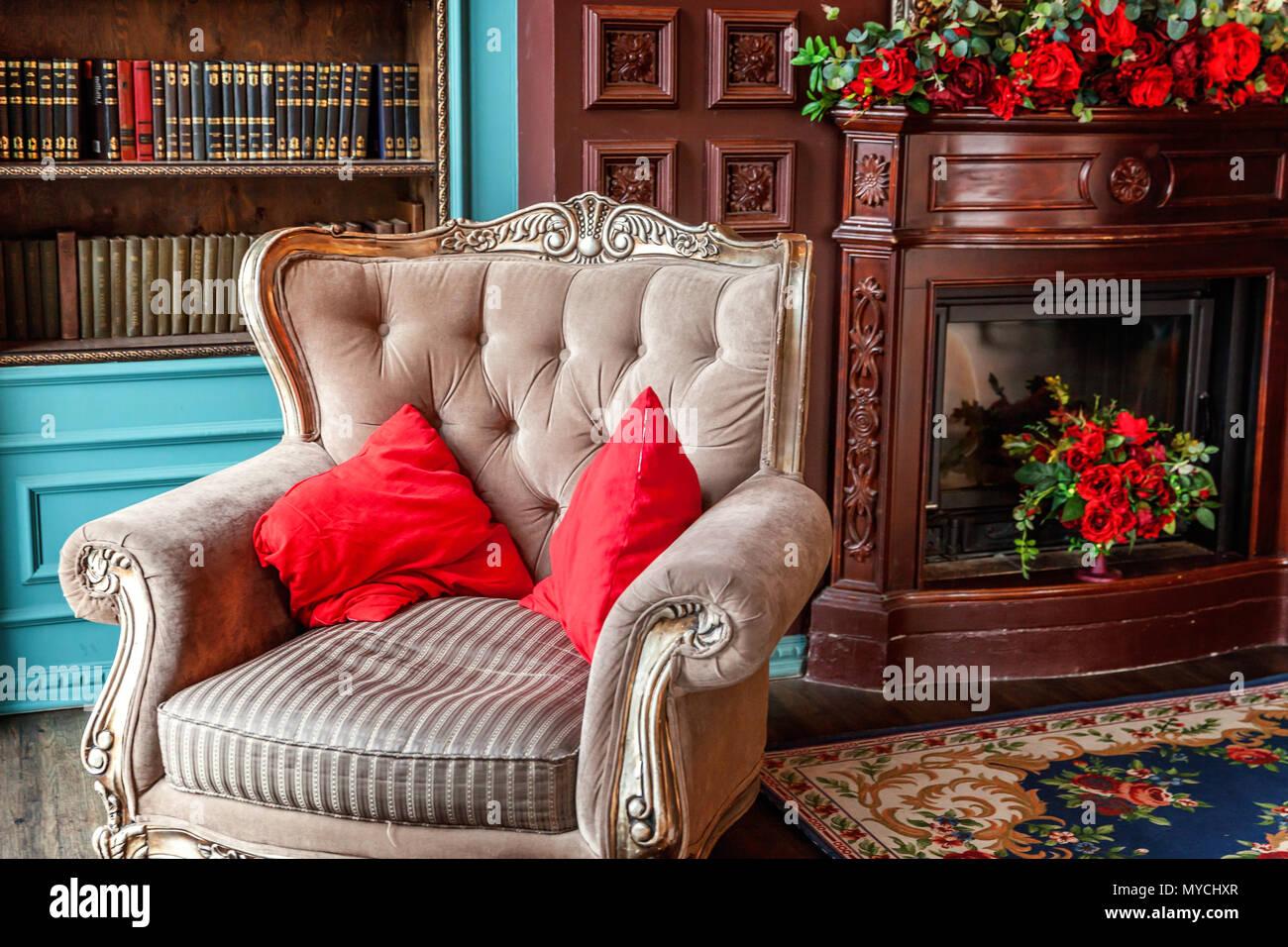 int rieur classique de luxe accueil biblioth que salon. Black Bedroom Furniture Sets. Home Design Ideas