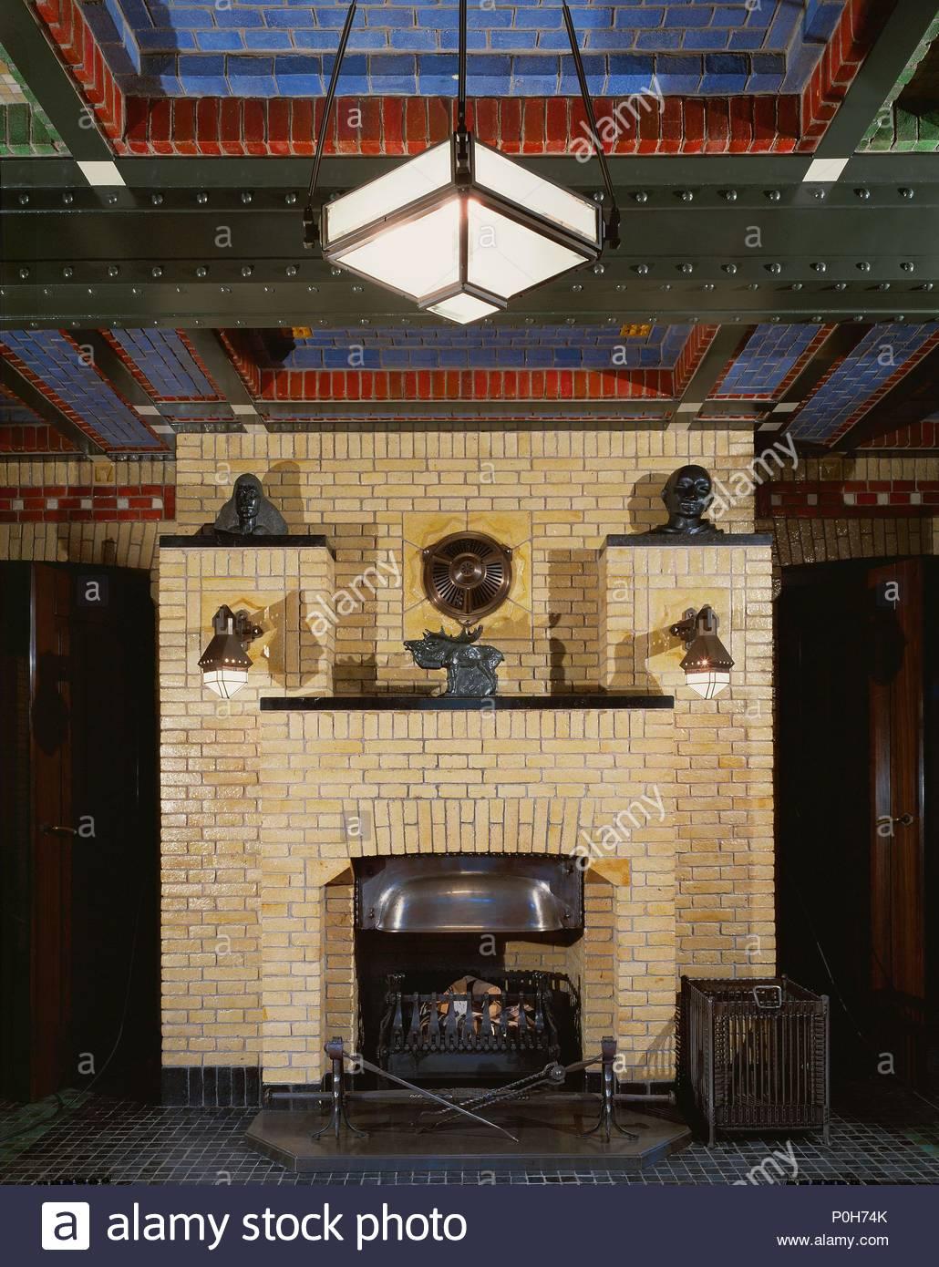 Cheminee Dans Le Fumoir De Saint Hubertus Lodge Maison De La