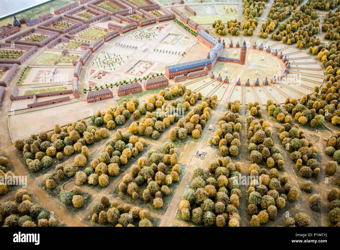 Karlsruhe, Allemagne. Miniature maquette du château de Karlsruhe (Karlsruher Schloss), avec les multiples rues et routes que depuis sa tour de fourche Photo Stock - Alamy