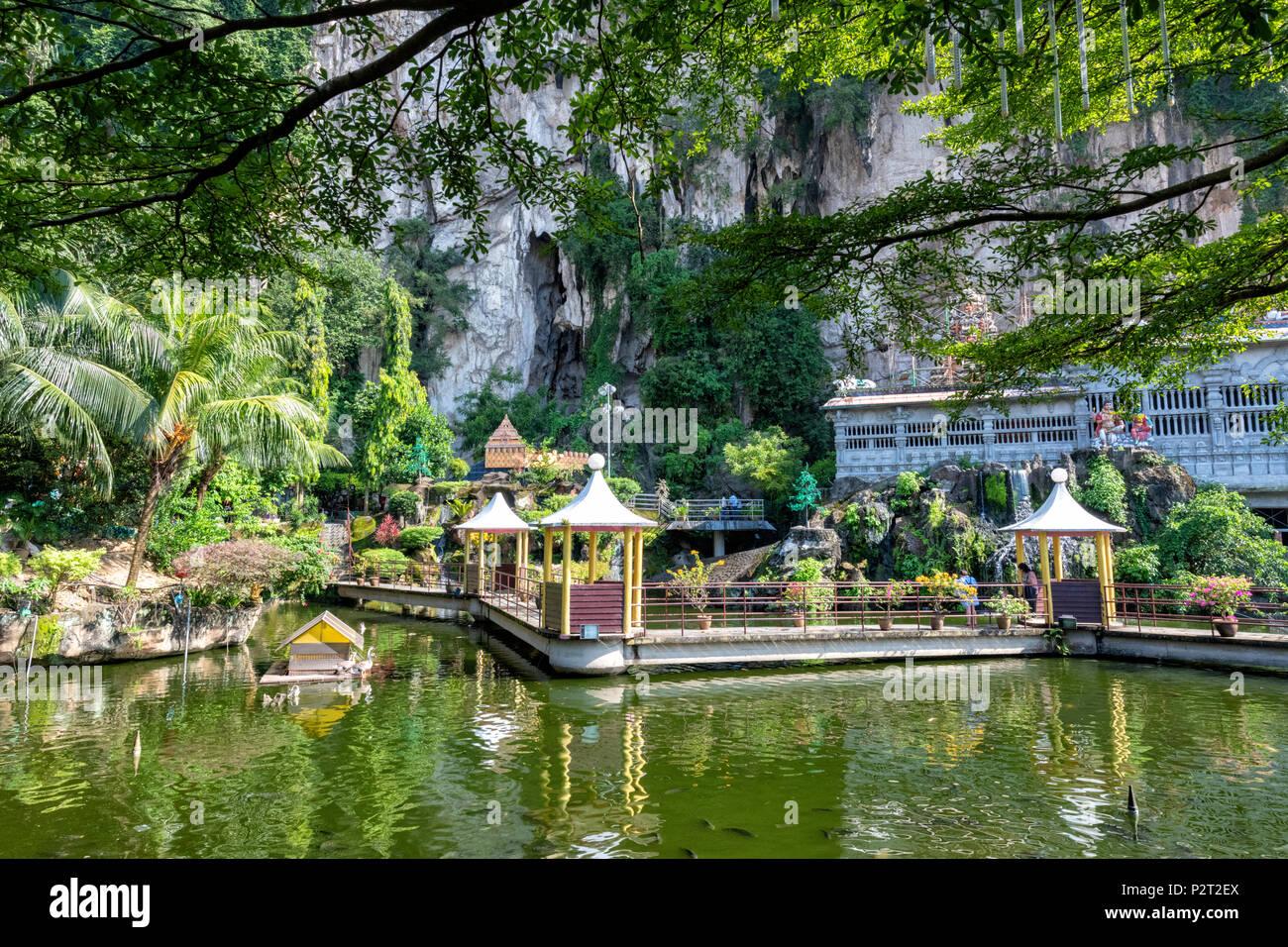 Jardin de l'eau à l'Hindu Temple au Batu Caves près de Gombak à Kuala Lumpur, Malaisie Photo Stock