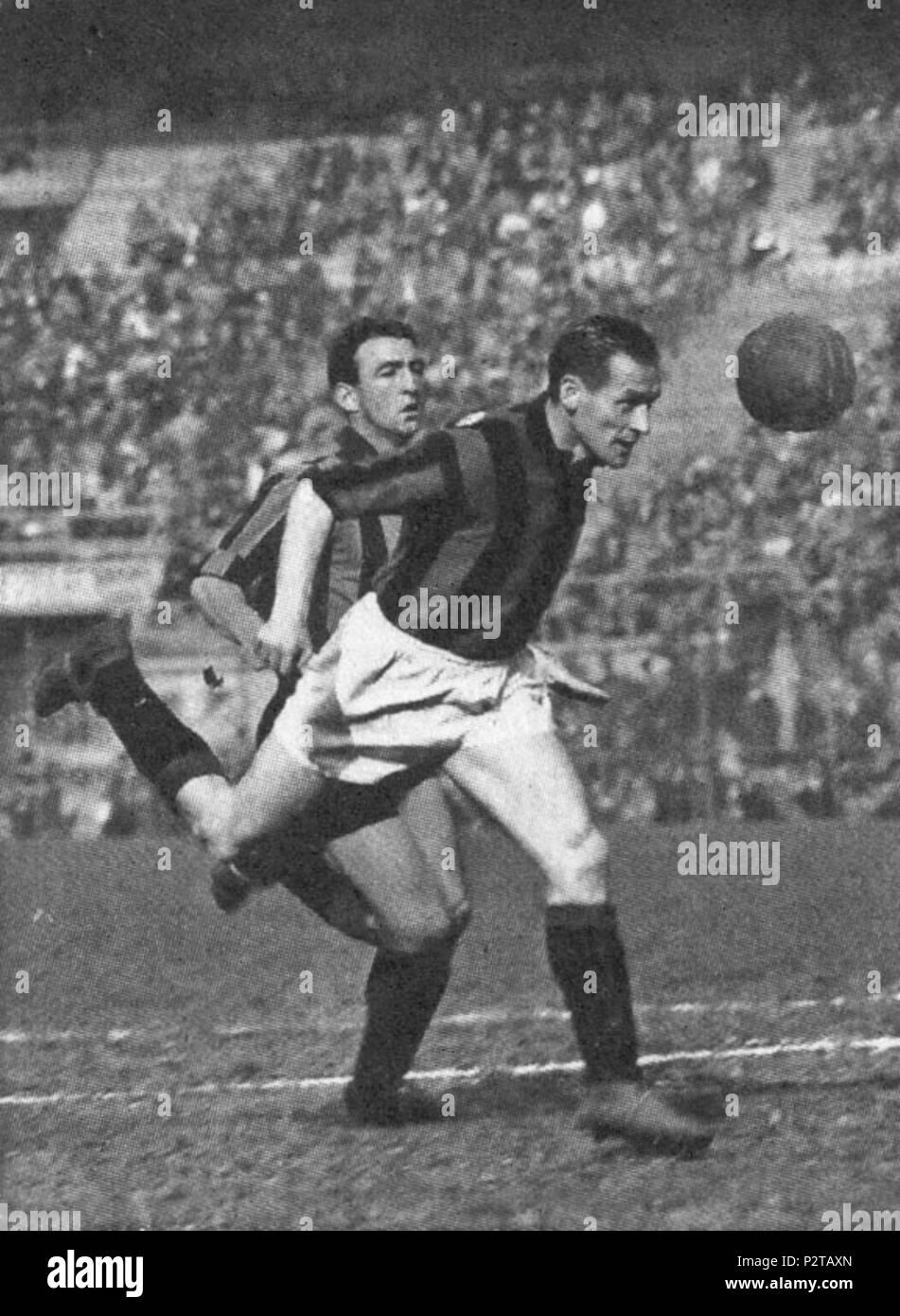 . Italiano: Il calciatore svedese Nils Liedholm dans azione al Milan. Entre 1949 et 1961. Inconnu 3 AC Milan - Nils Liedholm Photo Stock