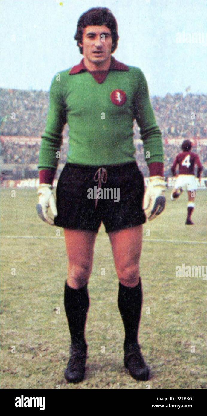 . Italiano: Il portiere di calcio italiano Luciano Castellini al Torino tous'inizio della stagione 1974-75. circa 1974. Inconnu 49 Luciano Castellini - AC Torino 1974-1975 Photo Stock