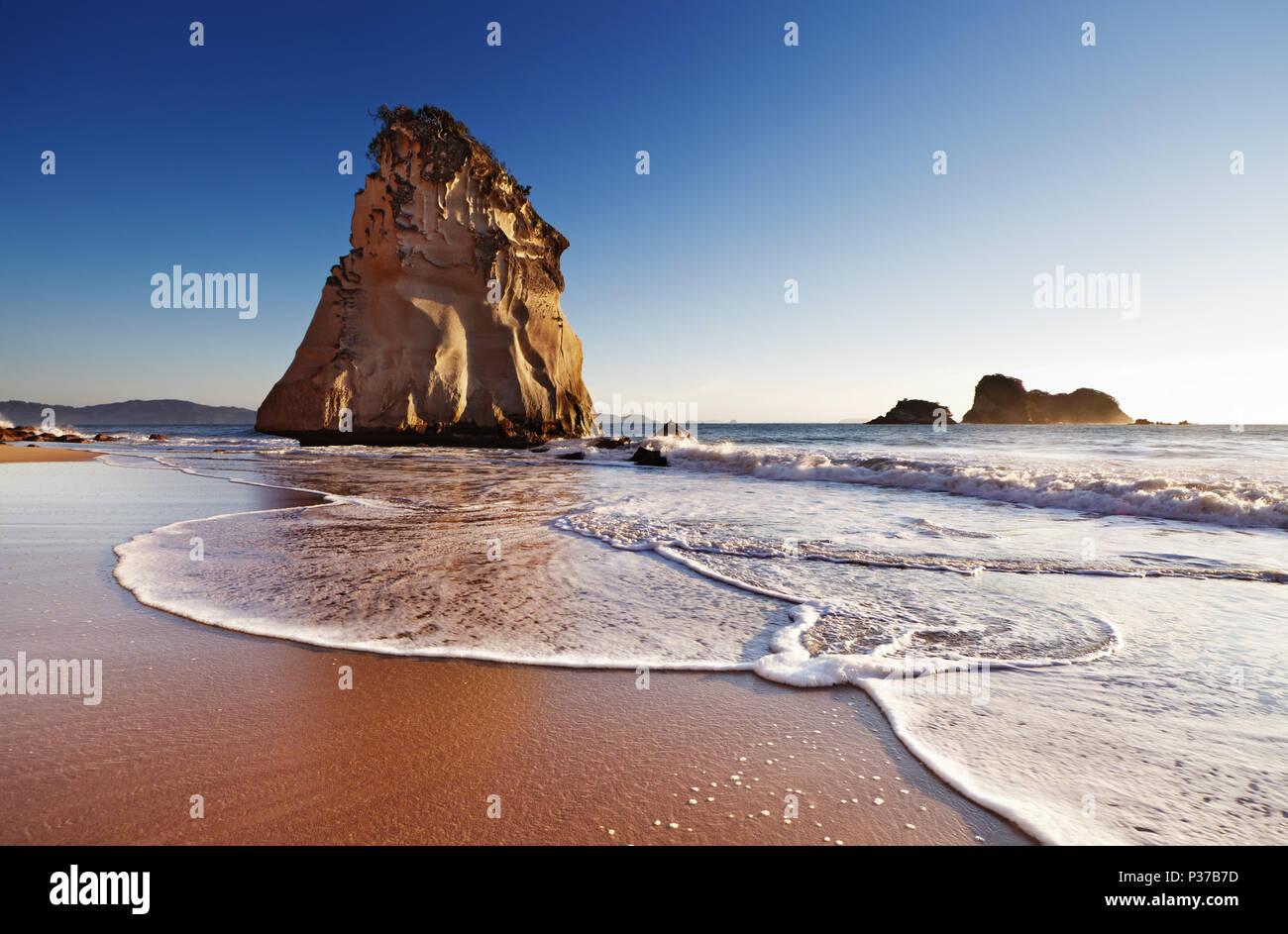 Hoho Rock, Cathedral Cove, péninsule de Coromandel, Nouvelle-Zélande Photo Stock
